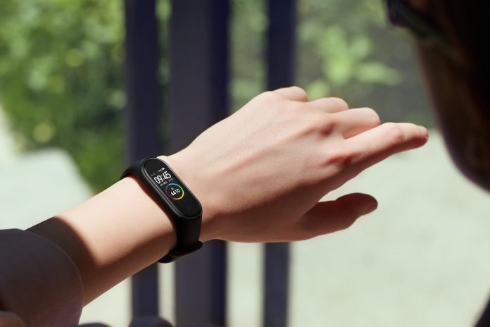 Wristband Tested to Track the People Under Lockdown