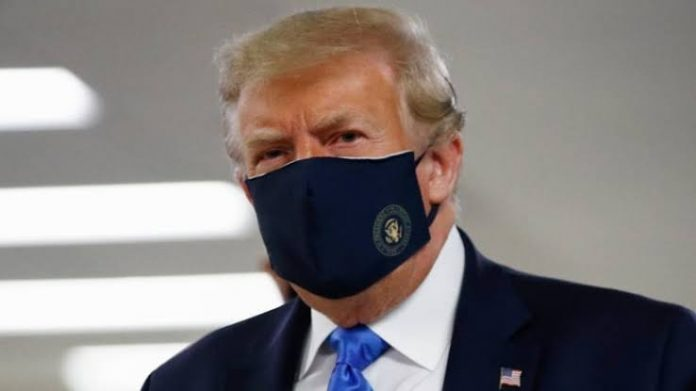 Trump Posted photograph With Face Mask And Calls it 'Patriotic'